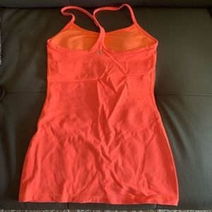 Lululemon top (built in bra)